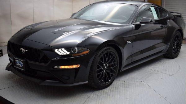 Представлен спорткар Ford Mustang Bullit 2019 в цвете Shadow Black