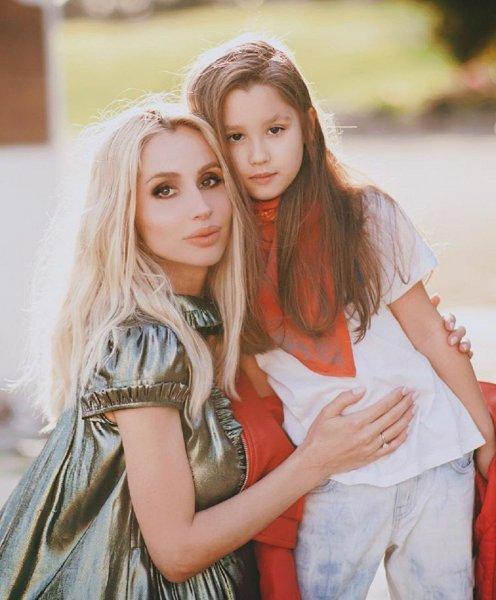 Светлана Лобода поздравила свою дочь Еву с днем рождения