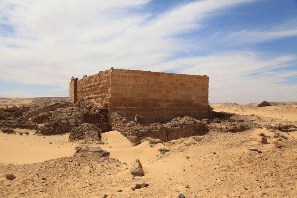 Археологи нашли руины древнего храма в Ливийской пустыне