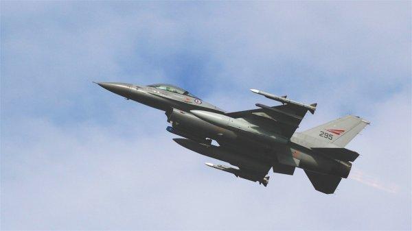В Минобороны РФ выяснили, кто нанес ракетный удар по аэродрому в Сирии