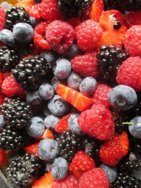 Ученые: Дикие ягоды помогают в борьбе с раком