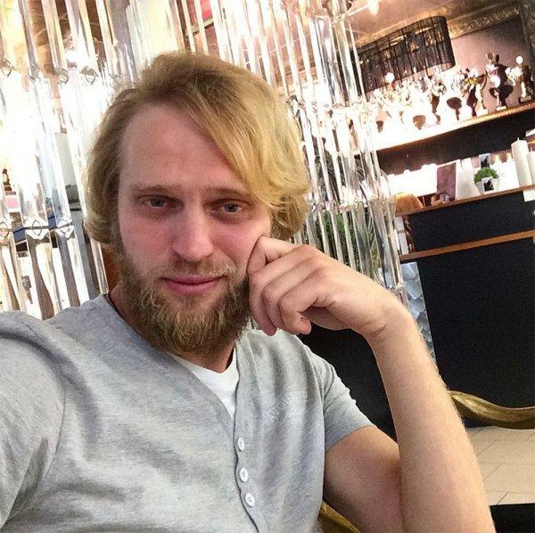 Блудливый экс-священник с «Дом-2» показал интимные кадры с Олесей Лисовской