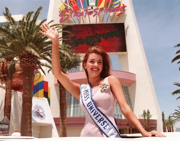 «Мисс Вселенная-1996» Алисия Мичадо обвинила Дональда Трампа в домогательствах