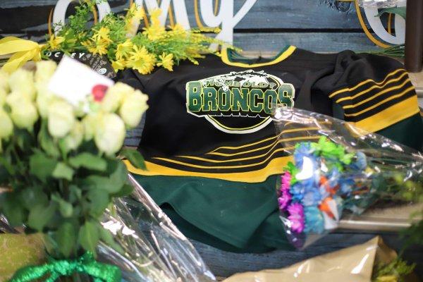 Выжившего в автокатастрофе канадского хоккеиста перепутали с мертвым