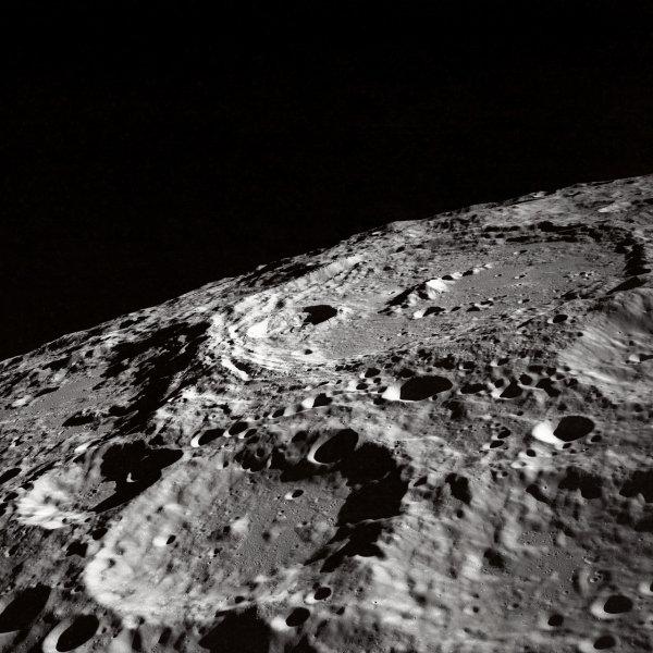 NASA показали 4К снимки Луны
