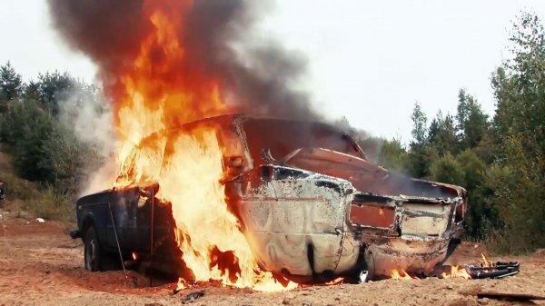 Четыре человека погибли при взрыве автомобиля в Луганской области