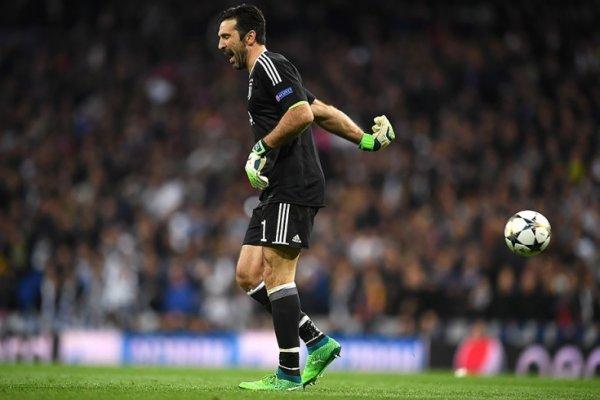 Буффон раскритиковал Майкла Оливера за пенальти в ворота Ювентуса