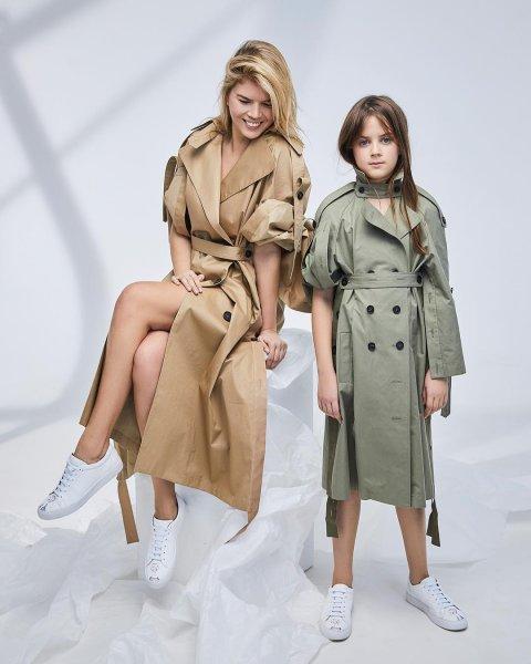 Жена Александра Цекало с 9-летней дочерью снялась в модной фотосессии
