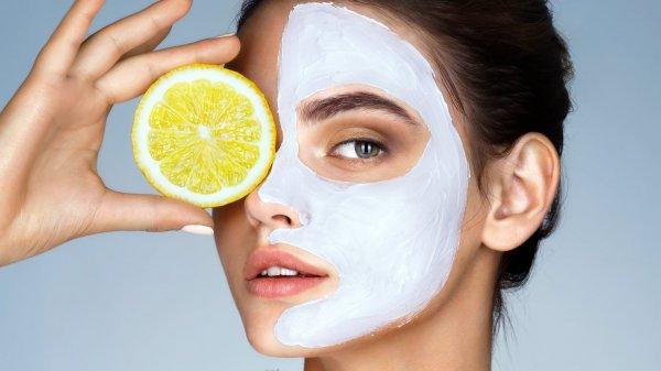 Медики назвали ТОП-5 домашних масок, которые опасно наносить на лицо