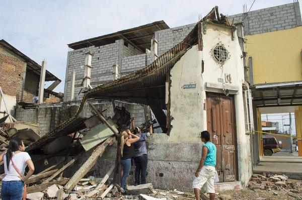 В Ногинске рухнула стена в здании общежития