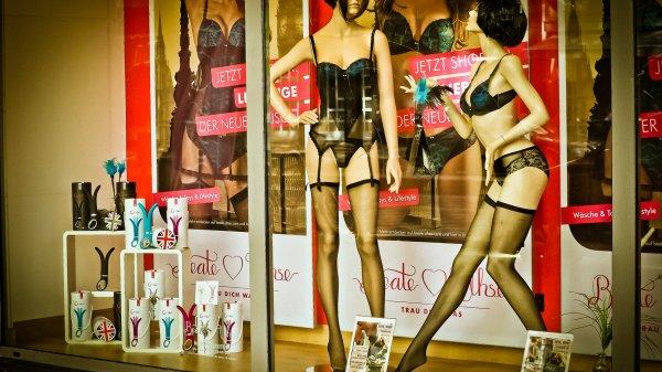 С приходом весны россияне отказались от секс-шопов