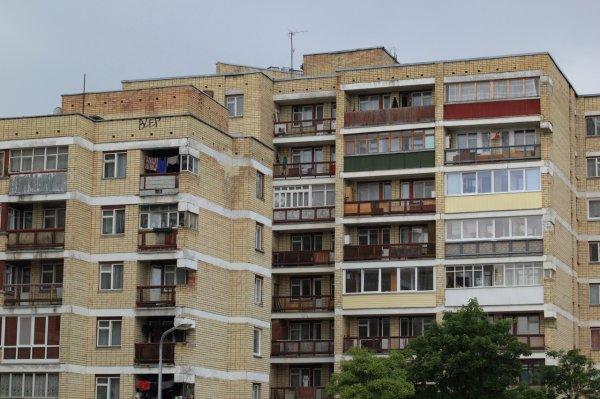 Студентка упала с четвёртого этажа здания МГИМО