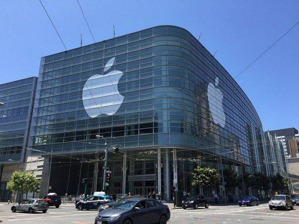 Apple решила увольнять сотрудников за разглашение данных