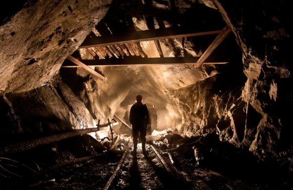 Один человек, в ходе завала шахты в Ростовской области, остался засыпан