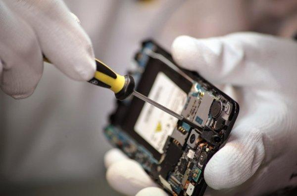 Специалисты огласили самые часто ломающиеся смартфоны в России