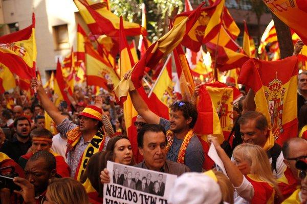 Свободу каталонским политикам: В Барселоне 315 000 человек требуют освободить заключенных