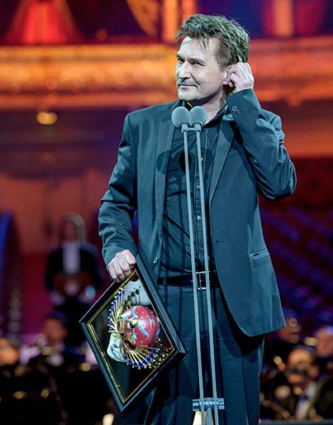 Юрию Бутусову вручили «Золотую маску» за лучшую режиссуру