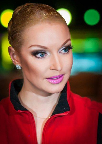 Анастасия Волочкова «порвала» публику зажигательными танцами в столичном баре