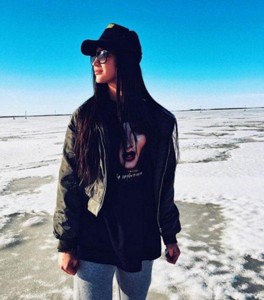 «Мисс Вселенная»: Фанатов поразила «весенняя Ольга Бузова»