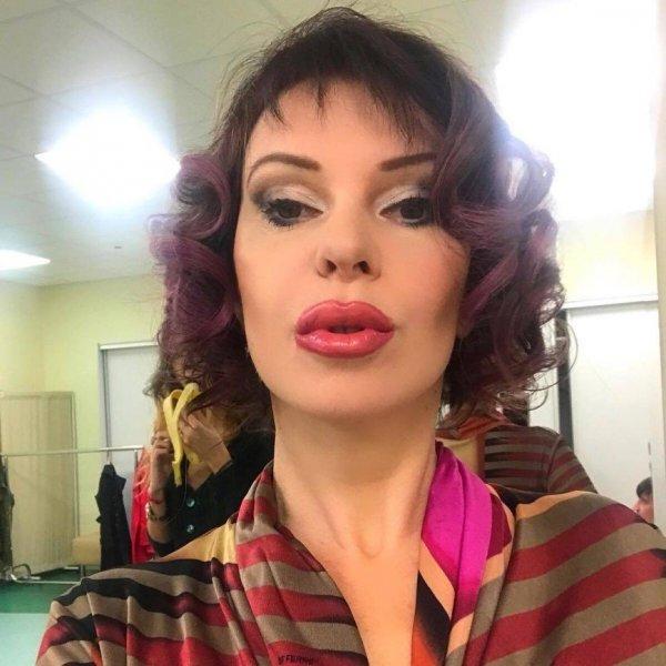 «Цирк уехал, клоуны остались»: Фанаты высмеяли Наталью Штурм за «губы-уточки»