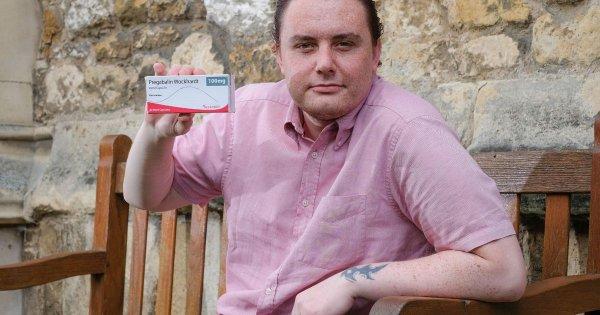 Мужчина стал геем после употребления обезболивающих