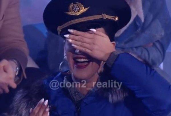 Ольга Бузова шокировала поклонников реакцией на двух голых мужчин