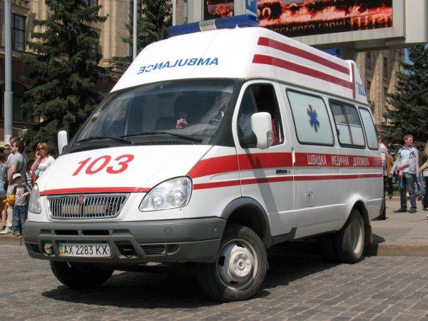 Мотоциклист протаранил толпу людей в Львовской области