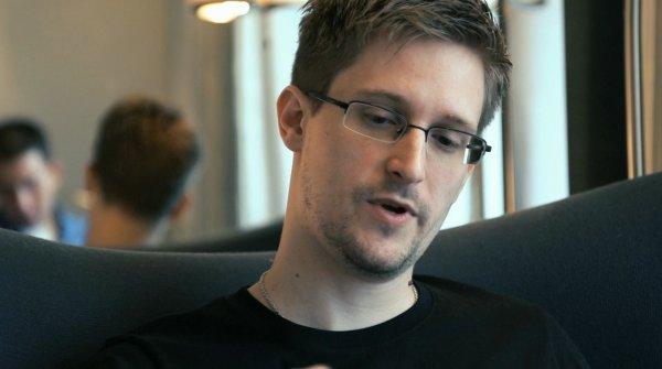 Сноуден похвалил Дурова за сопротивление государственным организациям