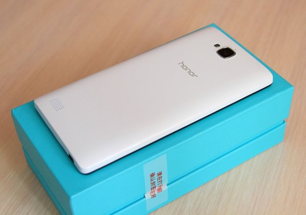 Покупатели будут удивлены стоимостью смартфона Huawei Honor 10
