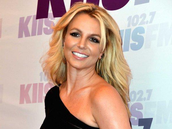 Снова опозорилась: Фанаты «разнесли» нелепый танец Бритни Спирс
