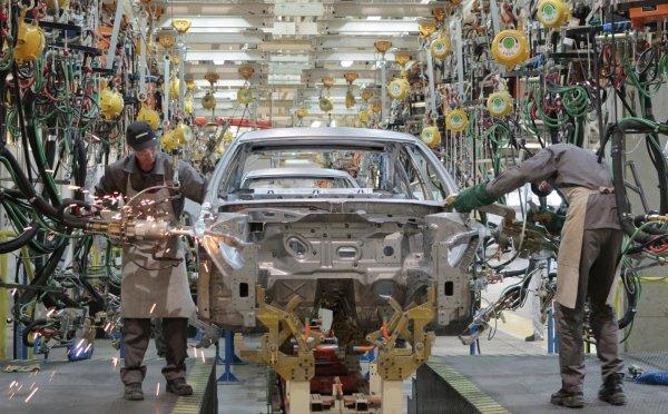 Автозаводы Петербурга в марте уменьшили производство на 9%