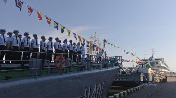 Порошенко наживался на строительстве кораблей для ВМС Украины