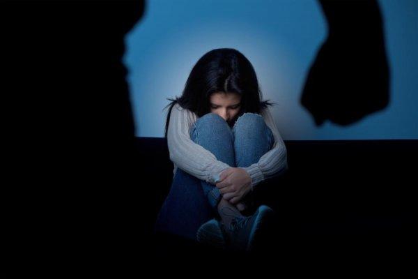 В Индии мужчина «подарил» друзьям свою дочь для любовных утех