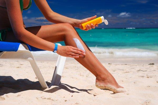 На Гавайях хотят запретить туристам пользоваться кремом от загара