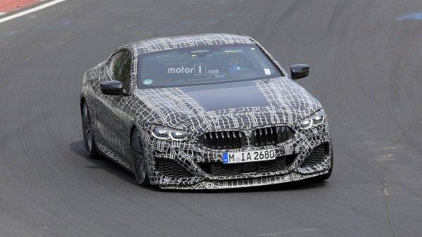 На треке в Нюрбургинге замечены две модели BMW 8 Series
