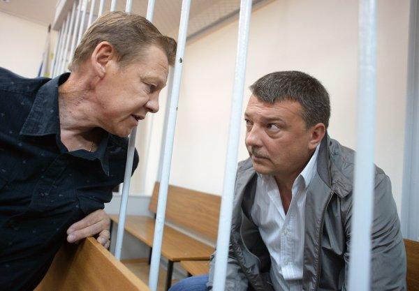 Экс-главе УСБ СК Максименко за взятки от криминального авторитета дали 13 лет колонии