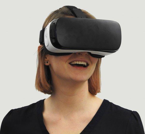Школьники из Франции потратили на сбор VR-шлема менее $100