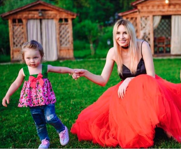Дочь Элины Камирен растёт копией Александра Задойнова