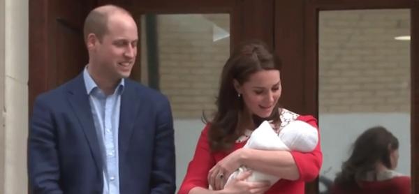 Герцог и герцогиня Кембриджские показали новорожденного сына