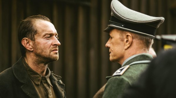 В Варшаве премьерный показ картины «Собибор» прошел с аншлагом