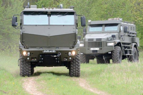 Под Новосибирском солдаты испытывали бронеавтомобили