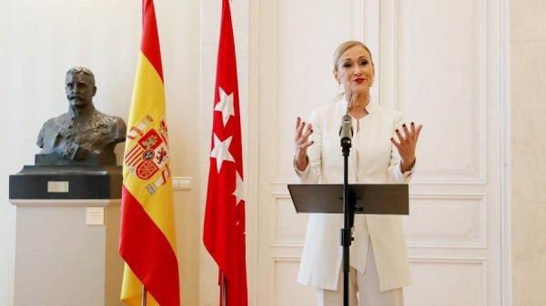 Руководитель правительства Мадрида уволилась из-за кражи крема