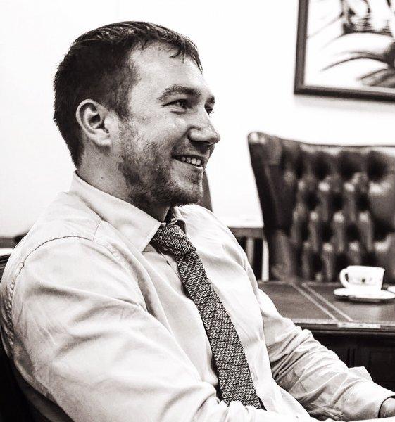 В Москве неизвестные облили кислотой известного адвоката