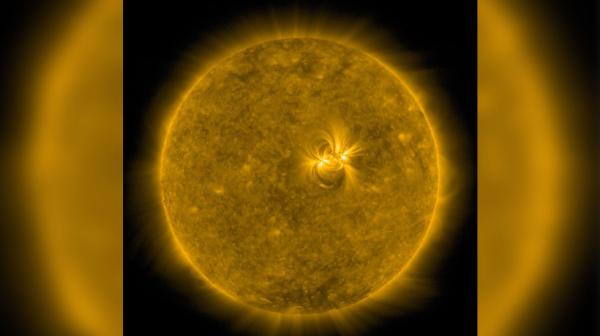 На Солнце астрономы обнаружили огромное пятно