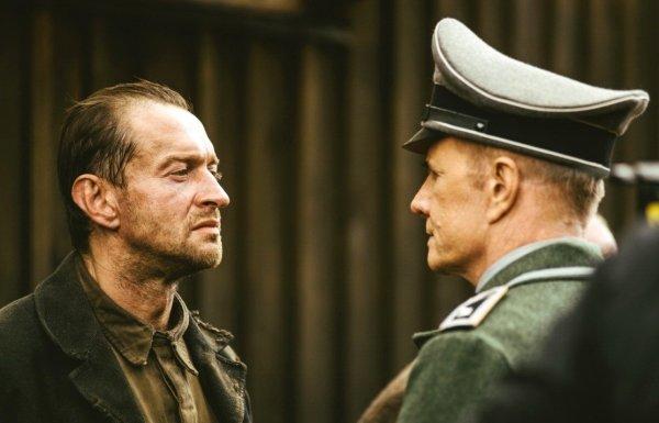 На премьере фильма «Собибор» в Москве аплодировали смертям нацистов