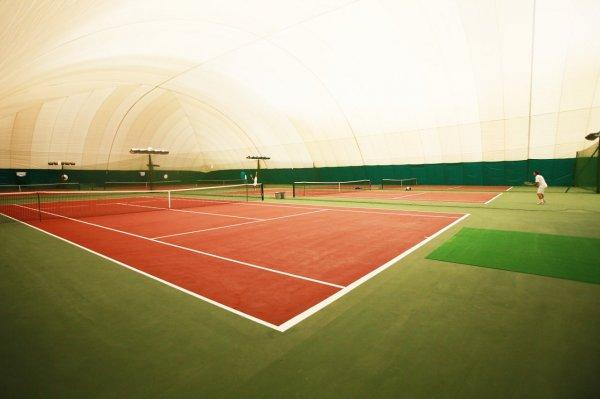 В Московской области на теннисном корте умер 10-летний спортсмен