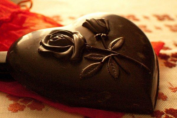 Ученые: Черный шоколад благотворно воздействует на зрение