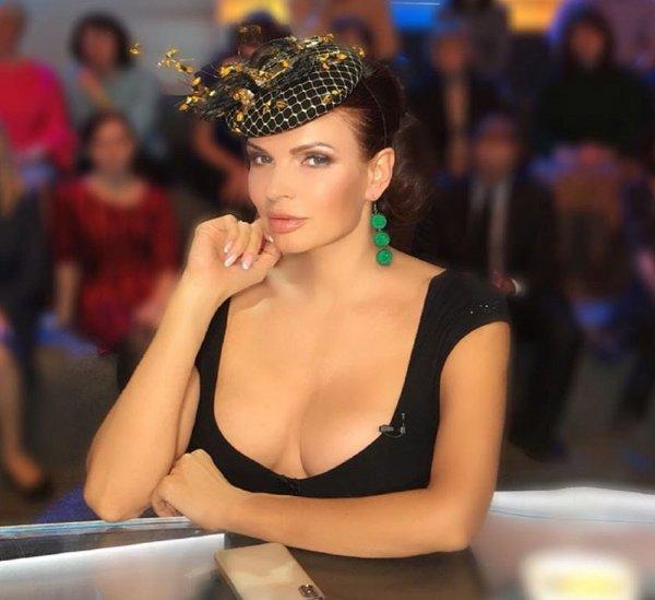 Бледанс в платье с глубоким декольте разозлила Сергея Зверева