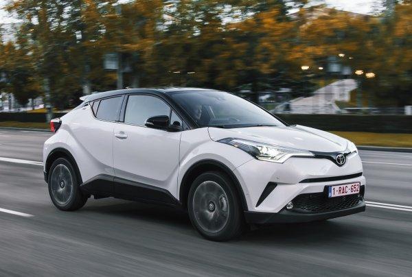 Электрический кроссовер Toyota C-HR выйдет к 2020 году