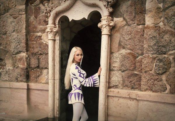 «Одесская барби» на примере истории славян призывает всех отращивать волосы